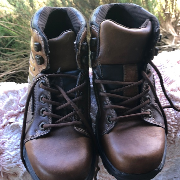 aa7554c5b9c Brown and black GBX work boots